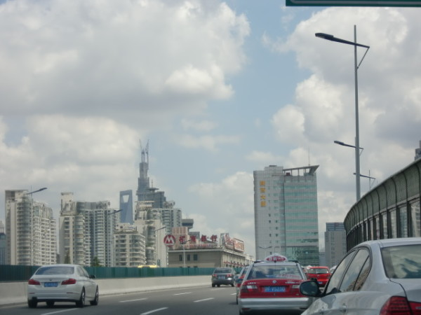 On the way back to Shanghai, at 20km distance, the new Shanghai Tower was already visible
